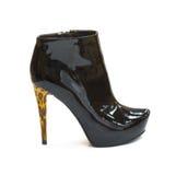 chaussure noire brillante de Brevet-cuir avec le haut talon Photographie stock