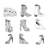 Chaussures à talons hauts pour la femme Façonnez l'illustration de chaussures dans le motif de remplissage de style de blackblack Images stock