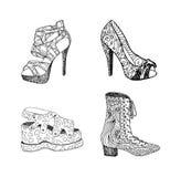 Chaussures à talons hauts pour la femme Façonnez l'illustration de chaussures dans le motif de remplissage de style de blackblack Photo stock