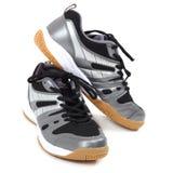 Chaussures élégantes de sport sur le fond blanc Espadrilles Photos stock