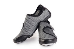 Chaussures élégantes noires de sport de femmes d'isolement Images libres de droits
