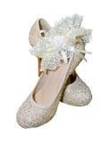 Chaussures avec la jarretière pour la mariée photographie stock libre de droits