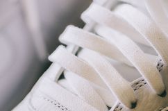 Chaussures blanches d'espadrille Photo stock