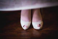 Chaussures blanches de mariage Images libres de droits