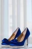 Chaussures bleues du haut talon de la mariée Photo libre de droits