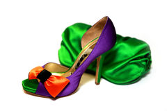 Chaussures colorées avec le sac images stock