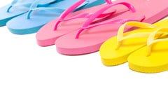Chaussures colorées de bascule électronique d'été au-dessus de blanc Photos libres de droits