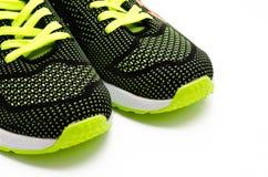 Chaussures courantes de sport d'isolement sur un blanc Images libres de droits