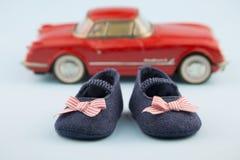 Chaussures d'été de petite fille Photos libres de droits
