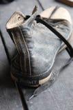 Chaussures d'étiquette et d'espadrille de voyage Photo stock
