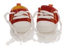Chaussures d'enfant en bas âge ou de chéri Photos libres de droits