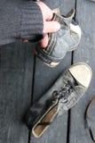 Chaussures d'espadrille de label et de vintage de voyage Image libre de droits