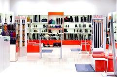 Chaussures dans un magasin Photographie stock