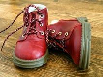 Chaussures de bébé rouges Image stock