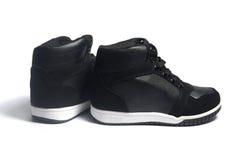 Chaussures de basket-ball sur le blanc Photo libre de droits