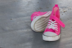 Chaussures de chéri dans le rose chaud Photos stock
