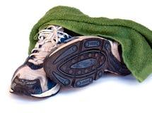 Chaussures de course de sport d'isolement sur le fond blanc Images stock