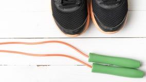 Chaussures de course et corde à sauter Photo libre de droits