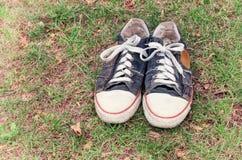 Chaussures de gymnase usées Image stock