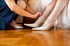 Chaussures de jeune mariée Photos stock