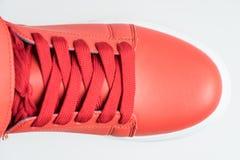 Chaussures de mode avec le shoestring Espadrille et dentelle rouges images stock