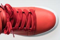 Chaussures de mode avec le shoestring Espadrille et dentelle rouges photographie stock libre de droits