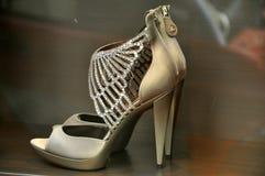Chaussures de mode de Roberto Cavalli avec des ailes d'ange Images libres de droits