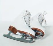 Chaussures de patinage de glace Photographie stock libre de droits