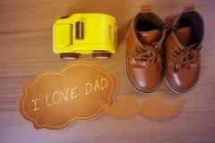 Chaussures de petit garçon Images libres de droits