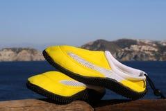 Chaussures de plage au soleil Photographie stock libre de droits