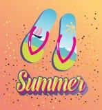 Chaussures de plage d'été sur le sable Photos libres de droits