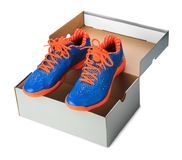 Chaussures de sport dans la boîte Images stock