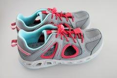 Chaussures de sport de l'été de la fille Image libre de droits