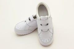 Chaussures de sports d'enfants. Images stock