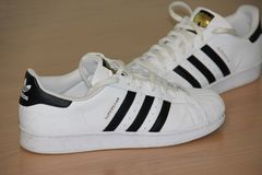 Chaussures de superstar Photos stock