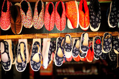 Chaussures de tissu de chinois traditionnel Images stock