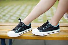 Chaussures de toile de dames Photographie stock libre de droits