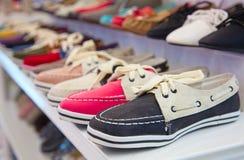 Chaussures en cuir colorées Photos stock