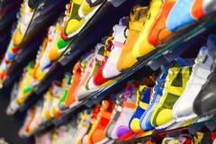 Chaussures en cuir de variété dans la boutique Images libres de droits