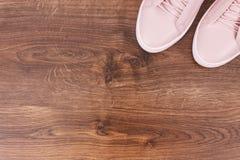 Chaussures en cuir féminines à bord Images libres de droits
