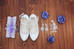 chaussures et accessoires de demoiselle d'honneur Images libres de droits