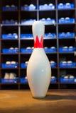 Chaussures et goupilles de bowling Image stock