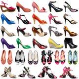 Chaussures femelles sur un fond blanc. Photos stock