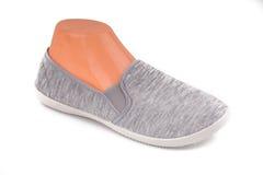 Chaussures grises bon marché de sport Image libre de droits