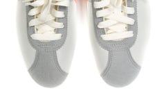 Chaussures grises sportives Photographie stock libre de droits