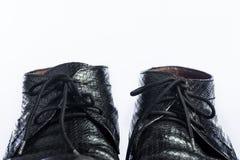 Chaussures noires d'affaires sur la table en bois Photo libre de droits