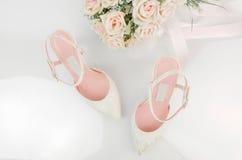 Chaussures nuptiales de talon haut Photo stock