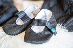 Chaussures pour un bébé nouveau-né Photo libre de droits