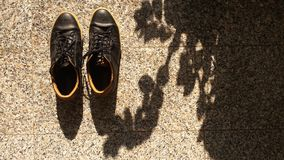 Chaussures prêtes pour une aventure Photographie stock libre de droits