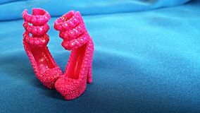 Chaussures roses de poupée Image libre de droits